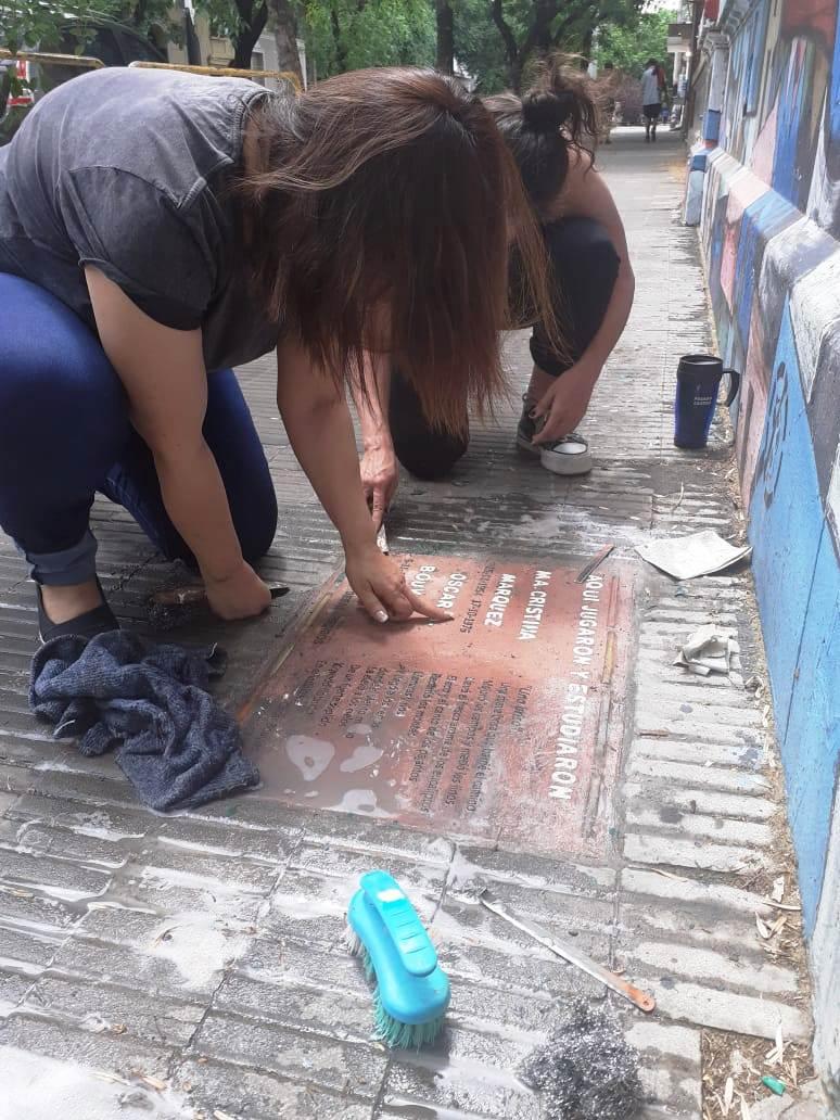 Memoria: baldosa de la Escuela Pedro Goyena
