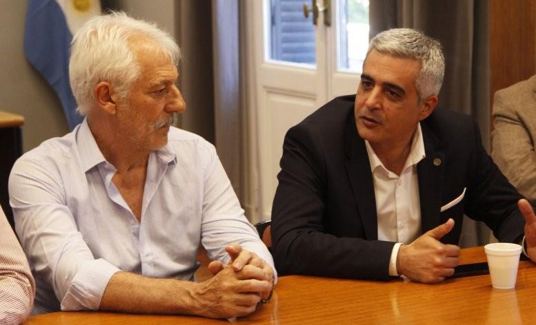 El director del Politécnico, Juan Farina, y el rector de la UNR, Franco Bartolacci.