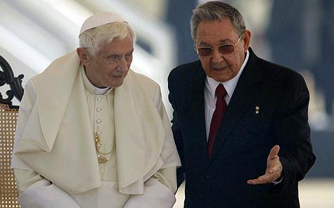 Raúl Castro con el Papa Benedicto XVI